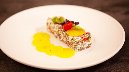 Lentilles, quinoa et betterave chioggia rôtie