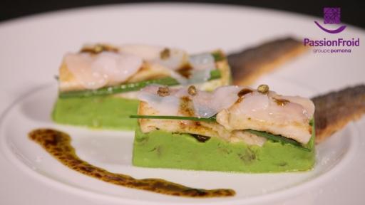 Minute de Bar en sashimi de Saint-Jacques aux baies de sansho purée de petits pois à la Française